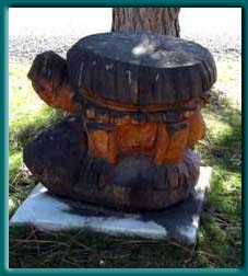 Chainsaw sculpture